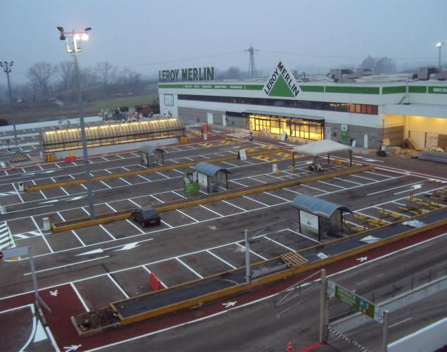 segnaletica stradale - parcheggi grandi magazzini